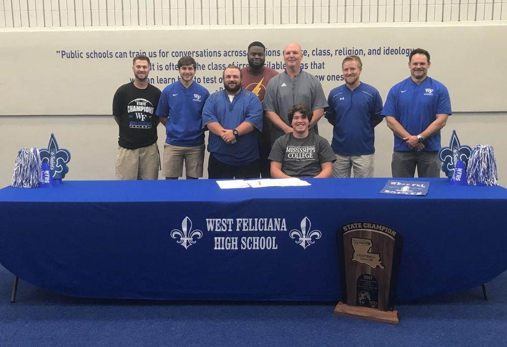 Dalton Coe signs with Mississippi College