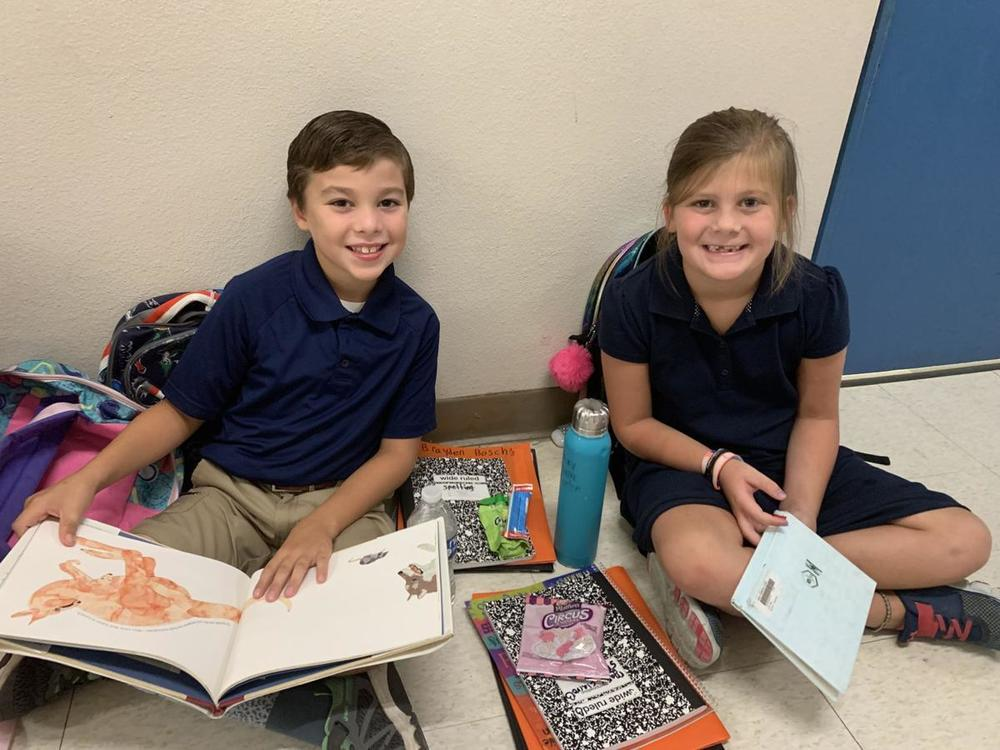 Bains students read before school