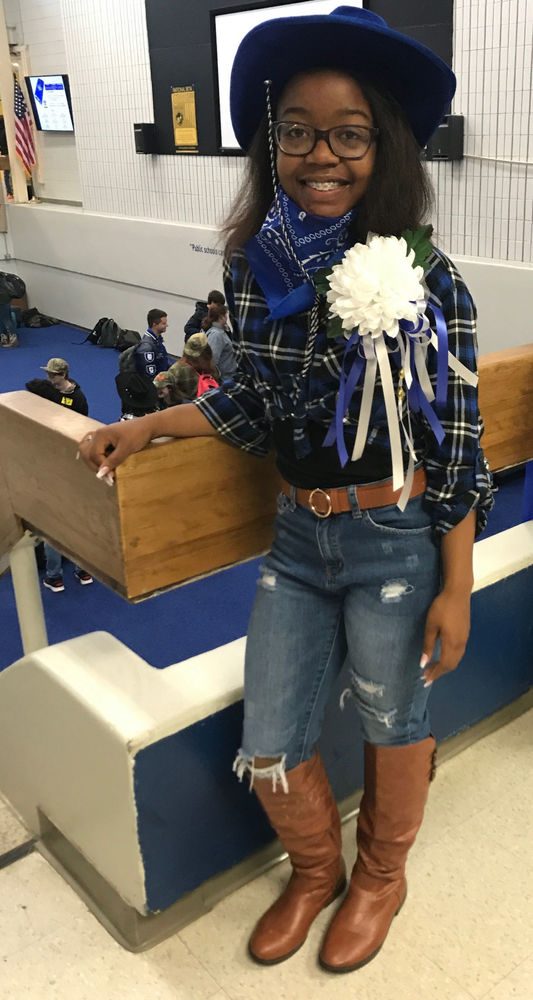Country Livin's Day a highlight of homecoming week at West Feliciana High